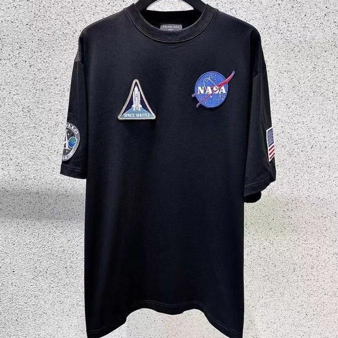 발렌시아가 NASA 와펜 반팔티셔츠 - 레플킹