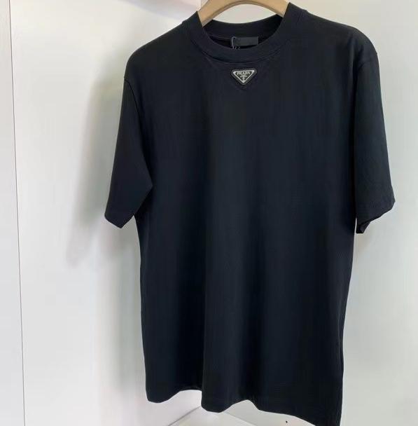 프라다 넥라인 사피아노 와펜 반팔 티셔츠 - Repleking
